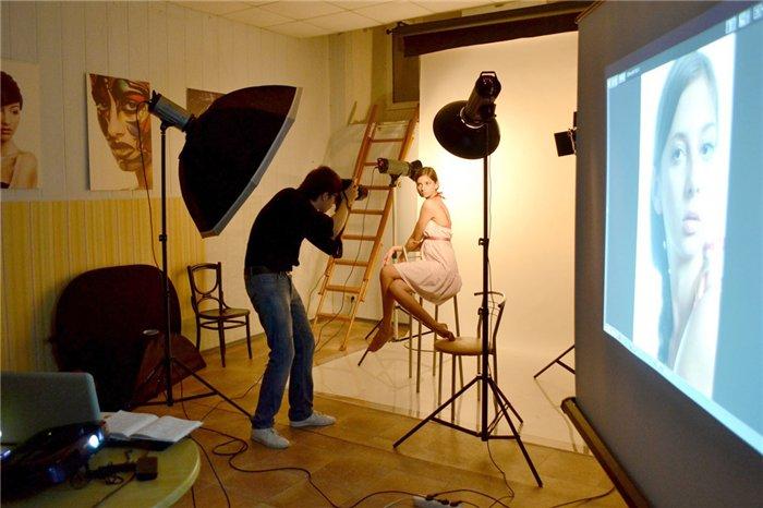 Работа фотографа с моделью в студии высокооплачиваемая работа девушки калининград